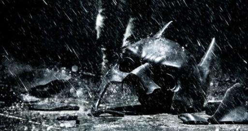 Dark-Knight-Rises-Broken-Cowl