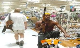 Non c'è attività commerciale di bianchi che non sia stata saccheggiata a Ferguson.