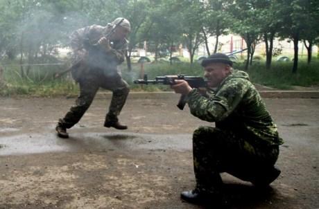 In alcune zone periferiche e nelle cittadine intorno a Lugansk si combatte spremente.