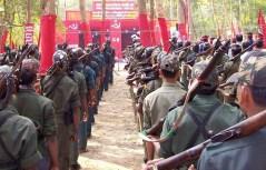 Adunata di guerriglieri maoisti.
