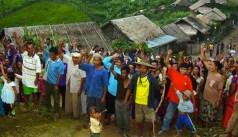 Un villaggio del nord si professa la sua lealtà alla guerriglia dell'Esercito dell'alleanza democratica nazionale di Myanmar (Kmt).