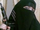 Una vedova nera della jihad. Questa ragazza di diciassette anni si fotografa prima di farsi saltare in aria nella metropolitana di Mosca.