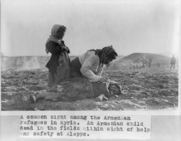 Genocidio armeno: ad un secolo di distanza per ricordarlo a Roma, dal 23 al 29 marzo, una serie d'iniziative organizzate dall'Ambasciata di Armenia in Italia, ICSBA e AIS-Religione   (By Photo by Near East Relief. (http://www.loc.gov/pictures/item/2006679122/) [Public domain], via Wikimedia Commons)