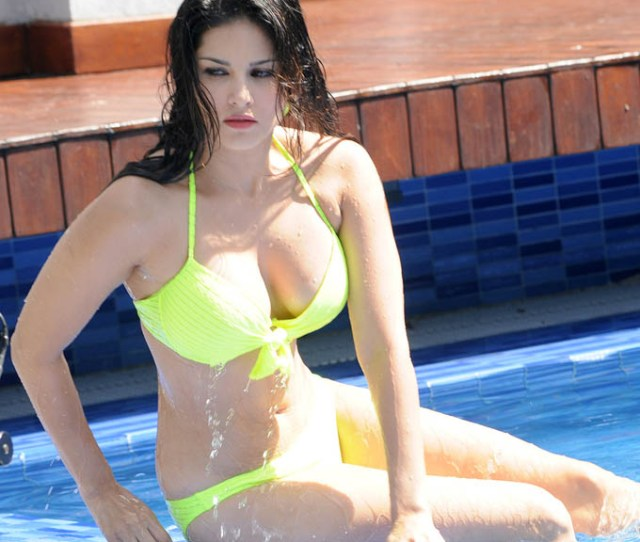 And Click Here To Check Largest Collection Of Sexy Hd Wallpapers Of Sunny Leone