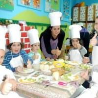 """P.U Ljubica Vrebalov Požarevac: """"Mame i tate, probajte i vi, šta jedemo mi"""" -  Pravilna ishrana, sticanja pozitivnih navika u ishrani dece"""