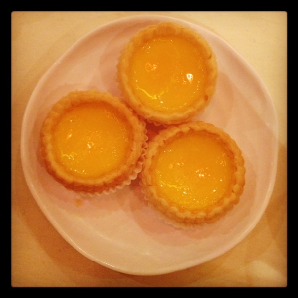 Warm egg custard tarts