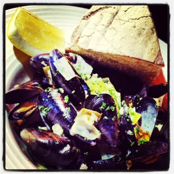 Welsh Mussels, English cider, leaks, sage, cream and warm bread