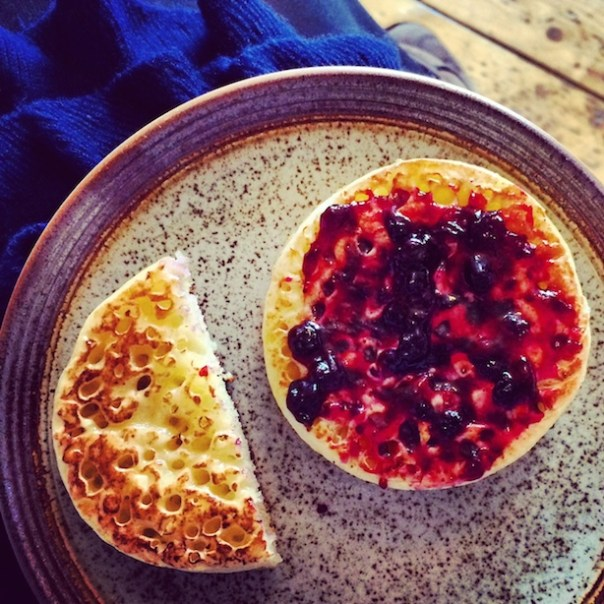 Crumpets-and-Blueberry-Jam