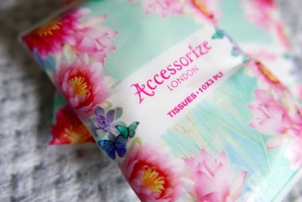Accessorize tissues