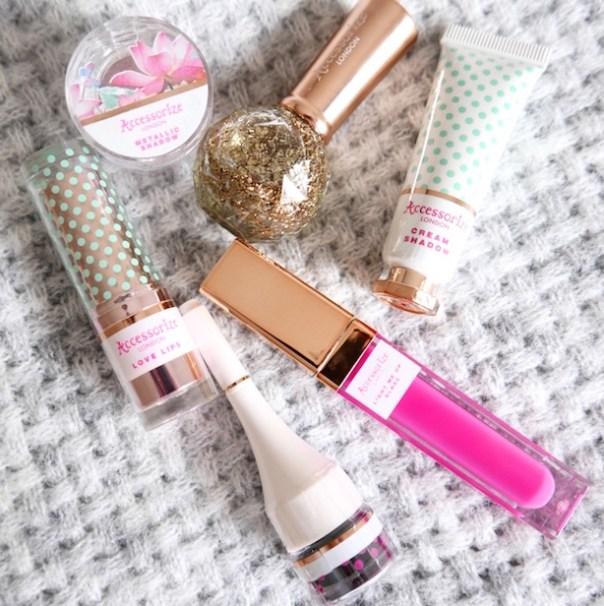 Accesorize cosmetics
