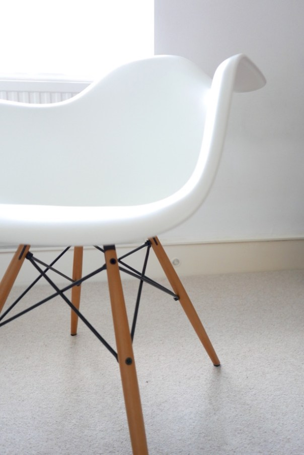 Vitra Charles Ray Eames DAW Chair