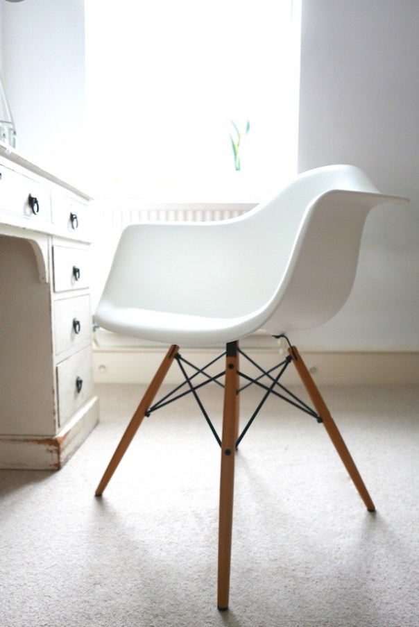 Vitra Charles Ray Eames DAW Chair