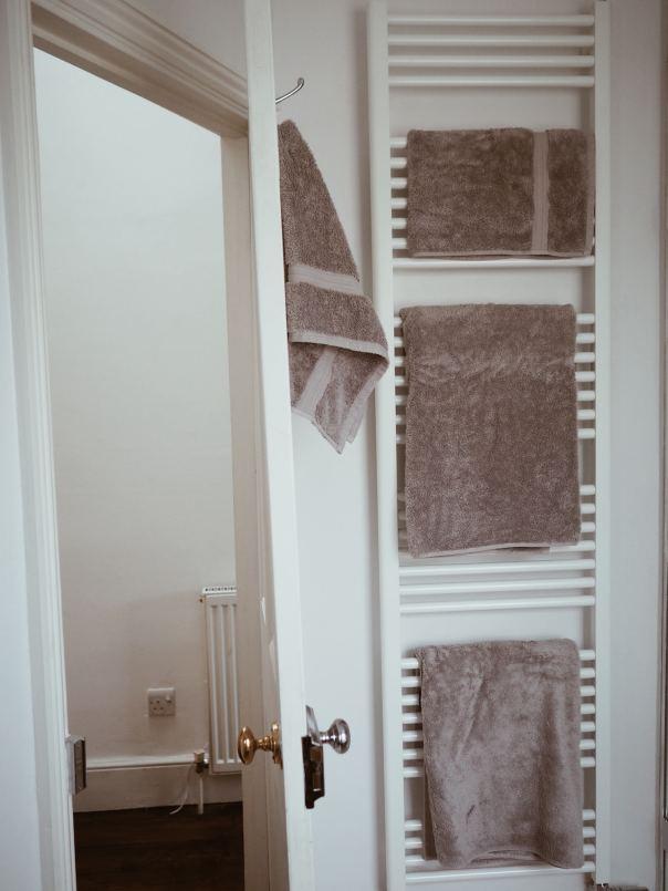 pink-grey-bathroom