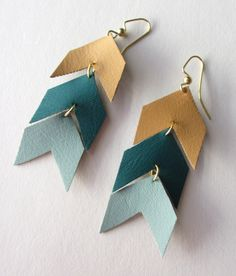 handmade leather earrings make your own jewelry at a pop shop america craft class