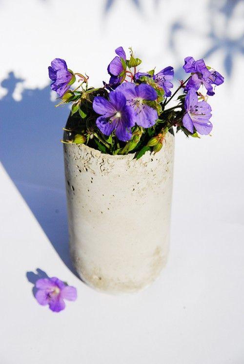 Concrete Vase DIY how to make an easy concrete planter