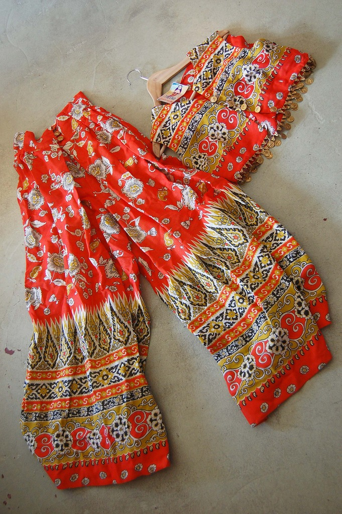 Vintage 2 Piece Cool Tribal Patterns The End Vintage Shopping