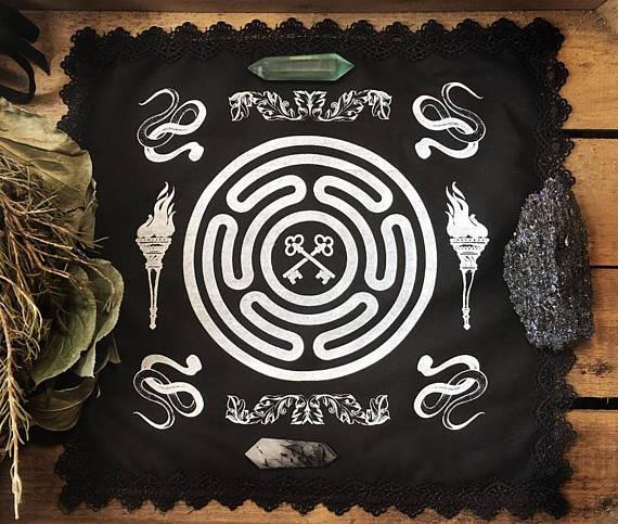 Thorn_Moon_Mystic_Altar_Cloth