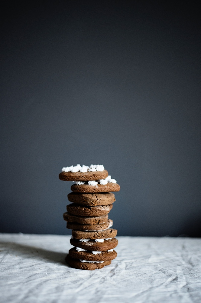 spicy-gingerbread-cookies-recipe-desserts-by-pop-shop-america