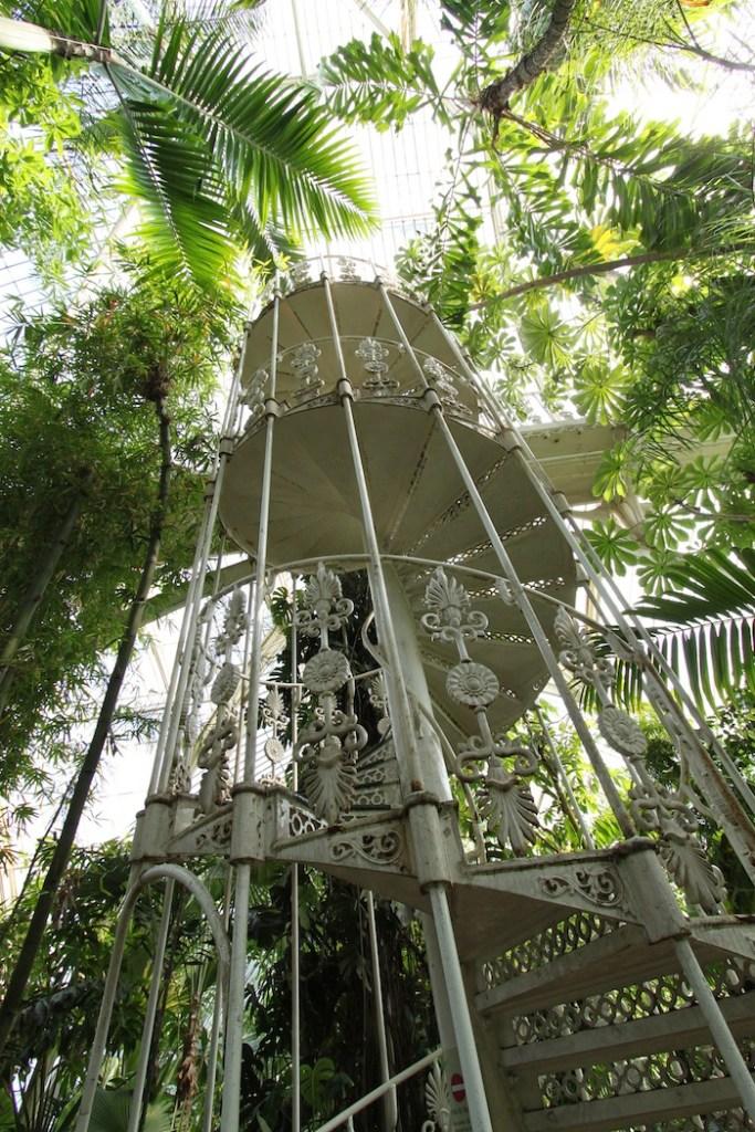 kew-gardens-indoor-greenhouse-atrium-pop-shop-america
