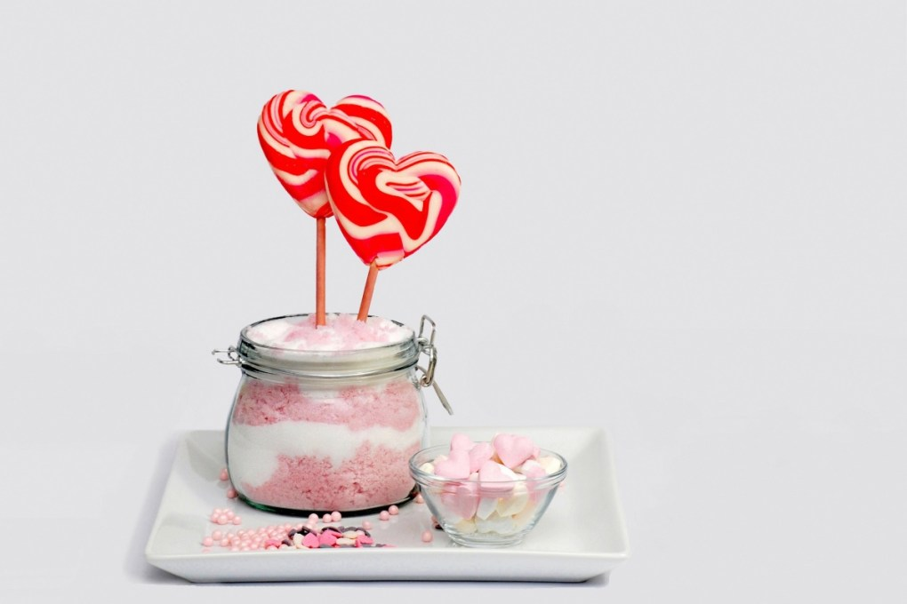 bubble-gum-sugar scrub-diy-body-care-skincare
