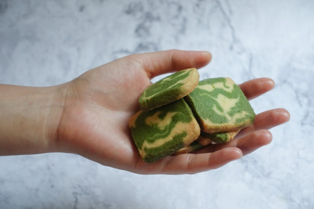 holding matcha greeen tea cookies recipe