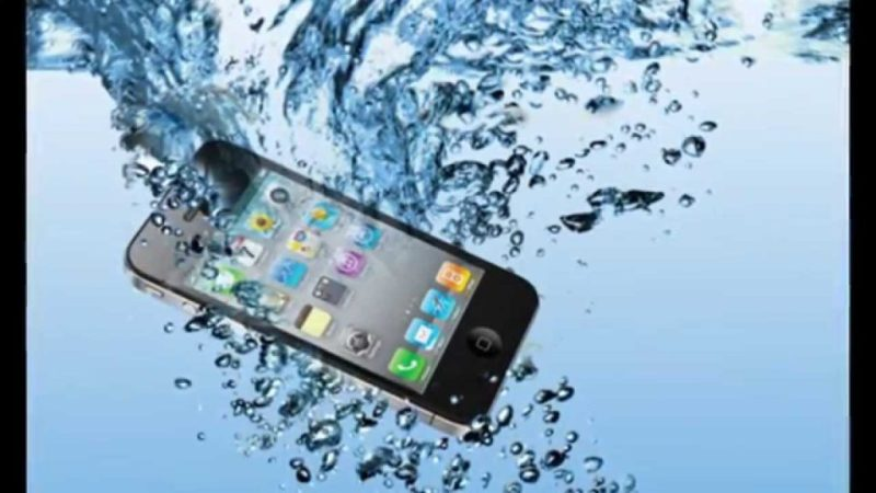 how to get water out of your phone without rice