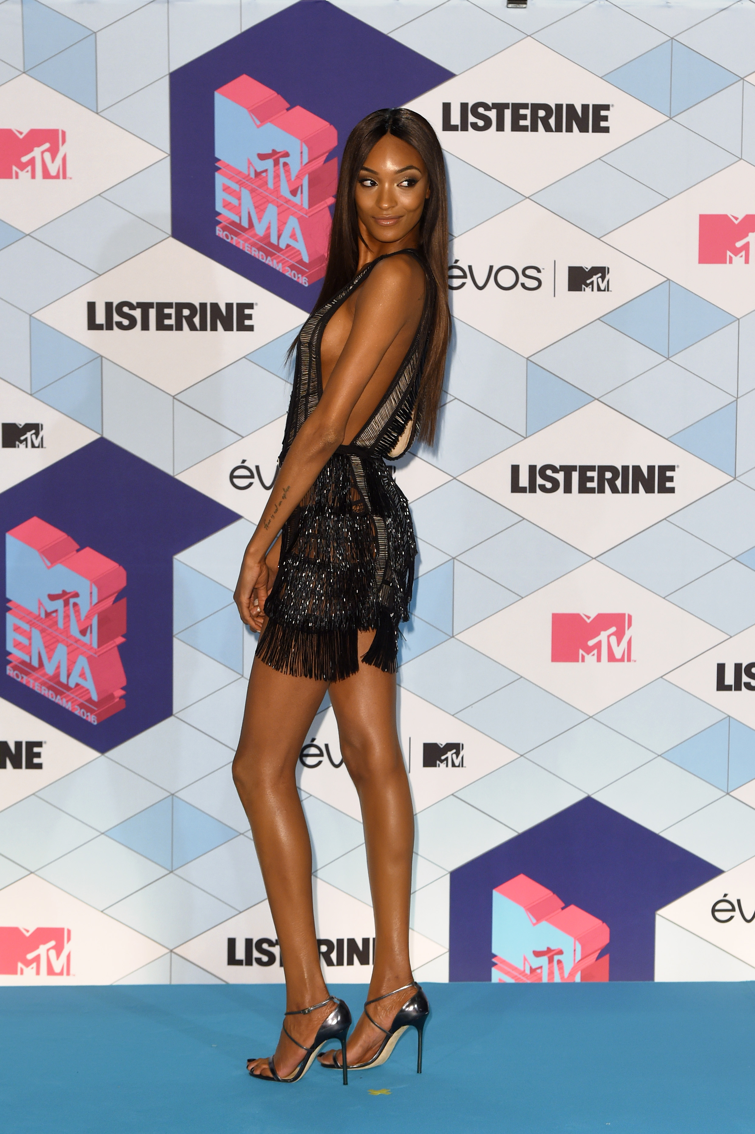 ROTTERDAM, NETHERLANDS - NOVEMBER 06:  Presenter Jourdan Dunn poses in the winner's room during the MTV Europe Music Awards 2016 on November 6, 2016 in Rotterdam, Netherlands.  (Photo by Anthony Harvey/Getty Images for MTV)