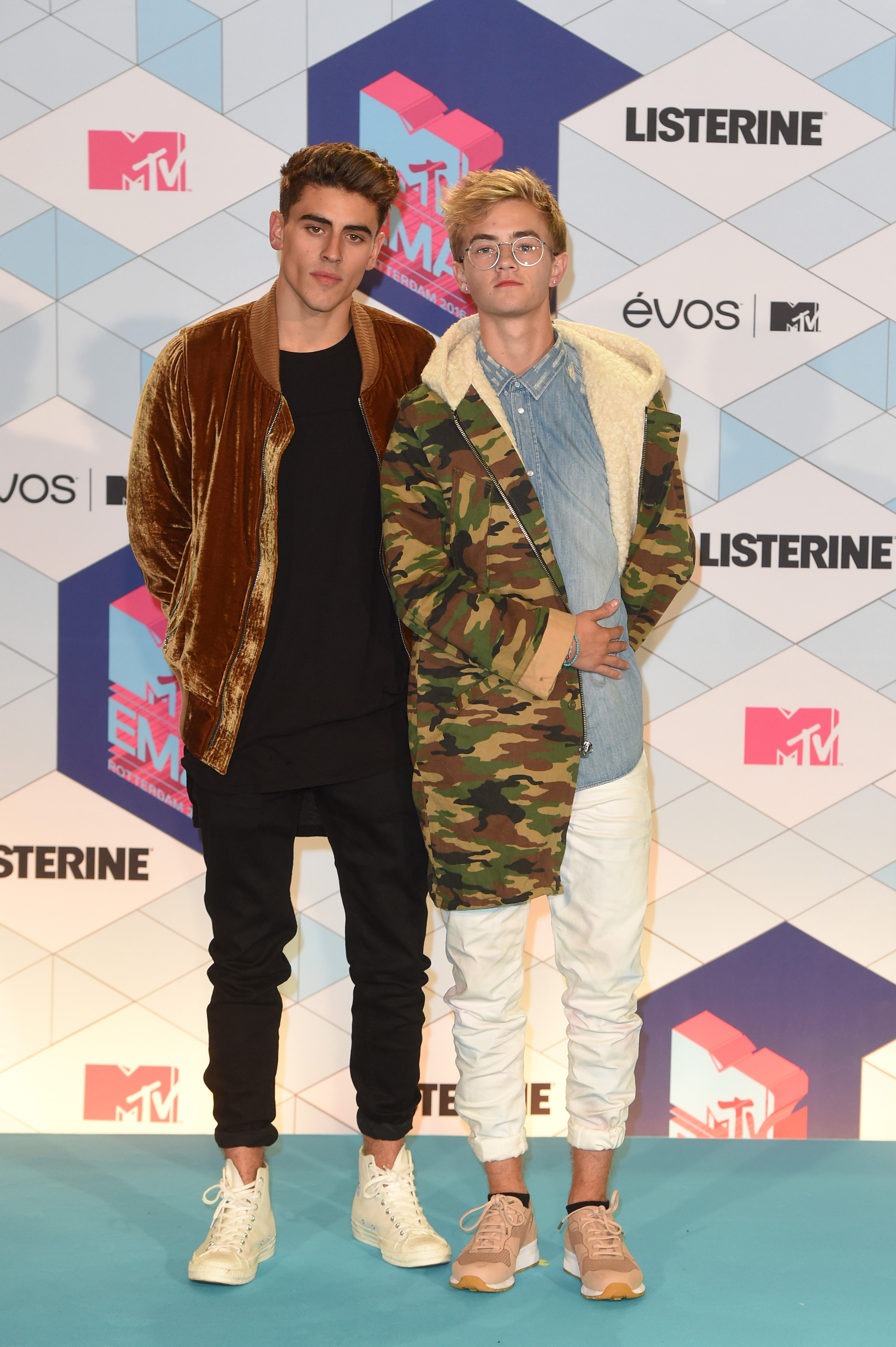 ROTTERDAM, NETHERLANDS - NOVEMBER 06:  Jack and Jack pose in the winner's room during the MTV Europe Music Awards 2016 on November 6, 2016 in Rotterdam, Netherlands.  (Photo by Anthony Harvey/Getty Images for MTV) *** Local Caption *** Jack Johnson;Jack Gilinsky