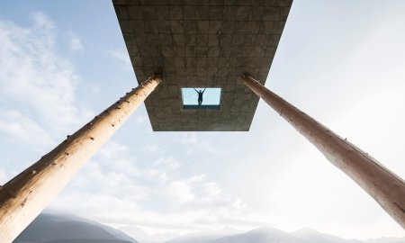 cantilevered-sky-pool-noa-hotel-hubertus-dolomites-italian-alps_dezeen_hero1