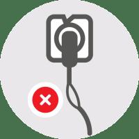 Ne priključujte naprave, če je kabel ali vtičnica poškodovana / PorabimanjINFO
