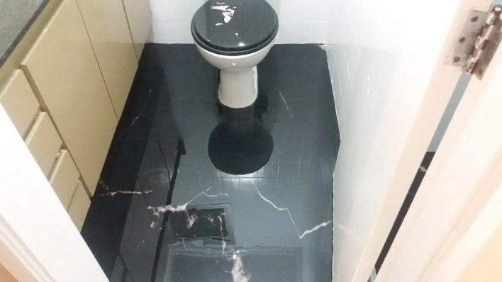 LiquidPiso Banheiro Marmorizado Preto