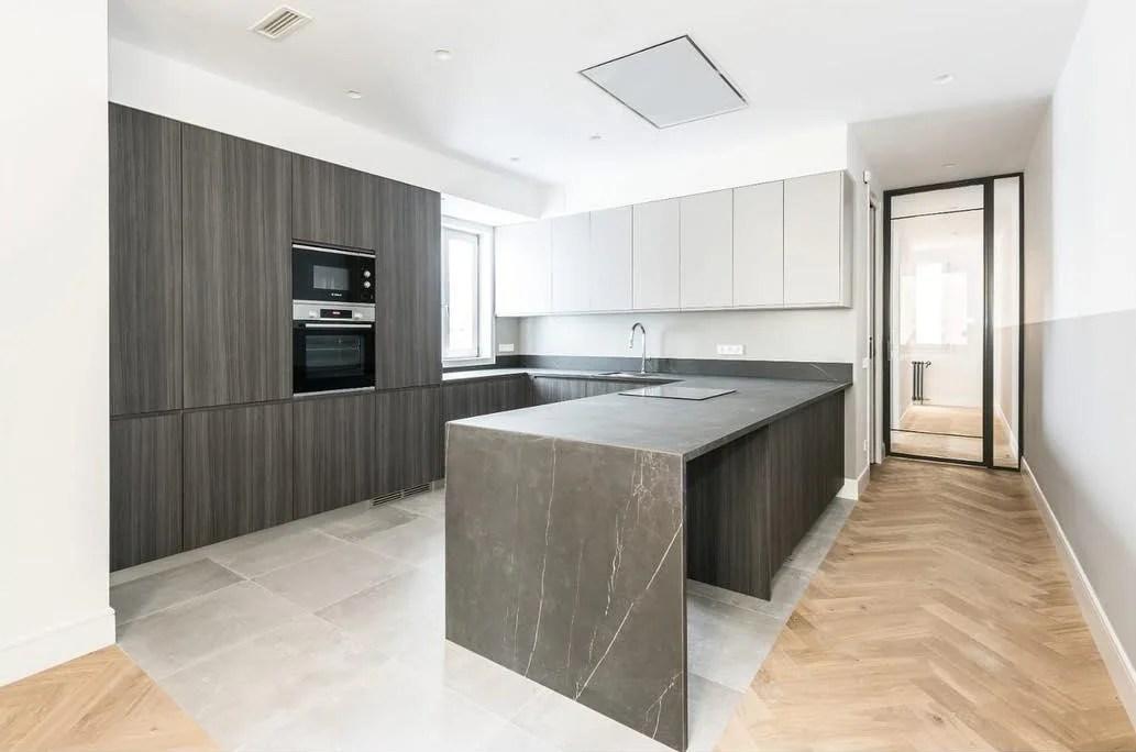 kitchen flooring ideas combining wood