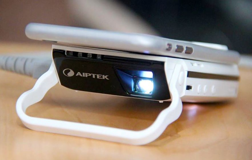 best projector for iphones