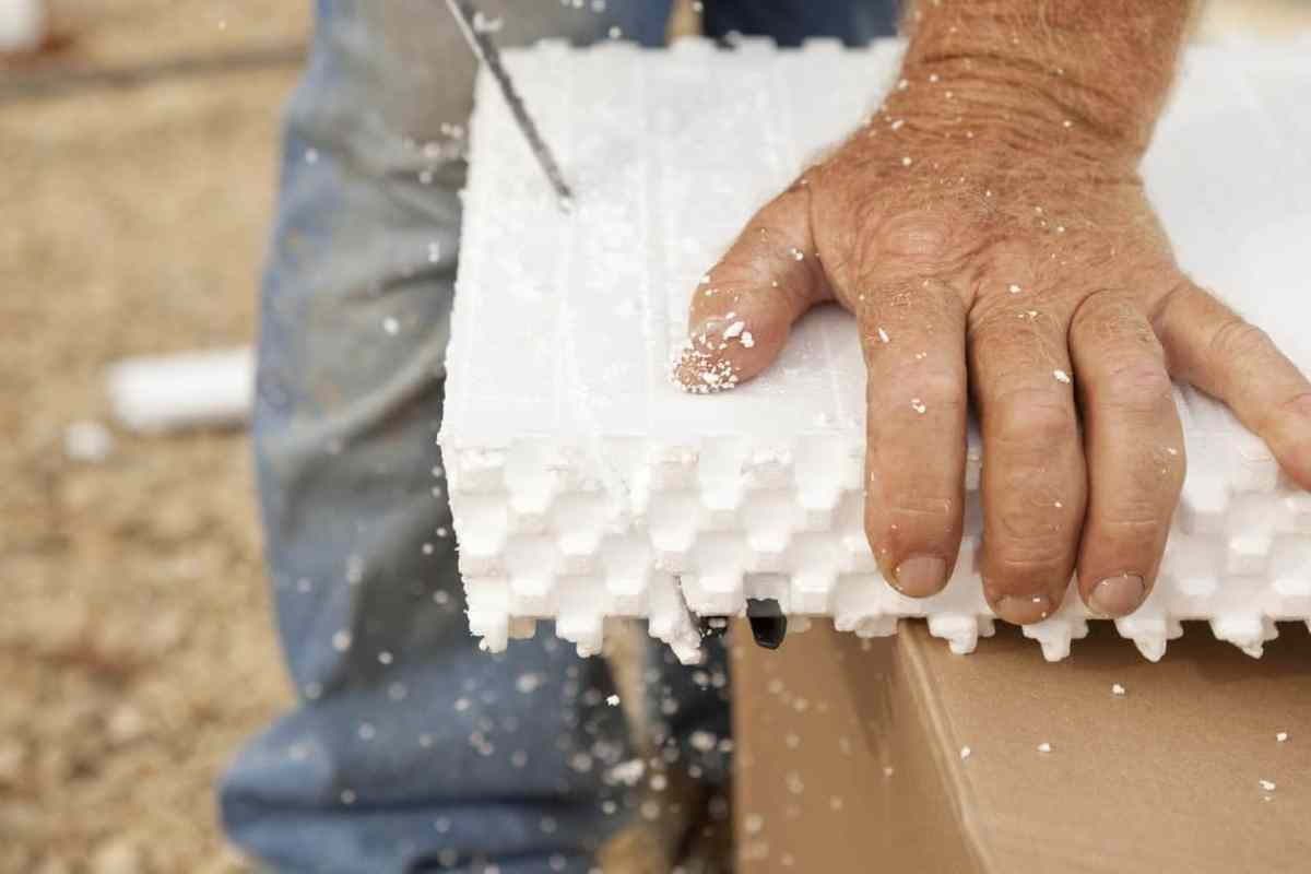 how to cut styrofoam