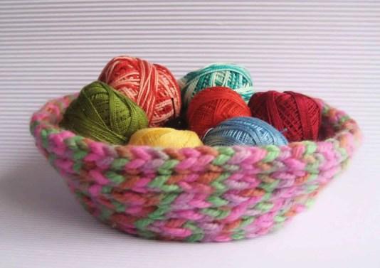 Cómo hacer un cestito con lana.