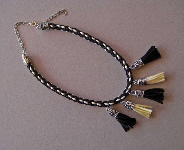 Aprende a hacer un collar con cordón kumihimo