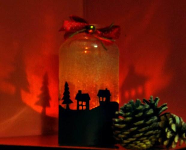 Trasforma un frasco en un portavelas para Navidad