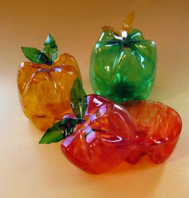 Cómo hacer envases para caramelos con botellas de plástico.