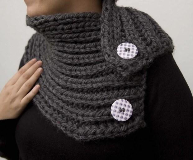 Cuello de lana gruesa gris