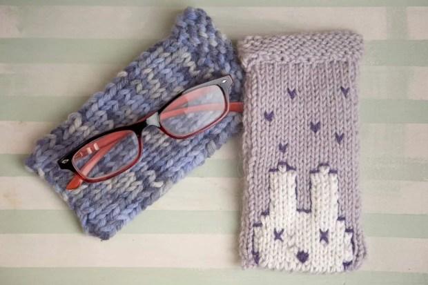 Tejer funda para gafas con dos agujas