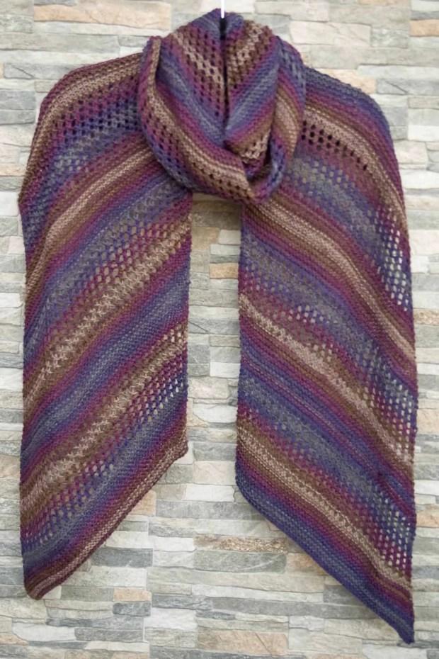Cómo tejer una bufanda calada con dos agujas