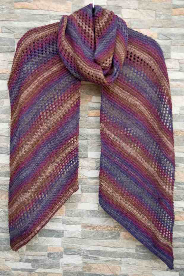 Cómo tejer una bufanda calada con dos agujas - Por cuatro cuartos