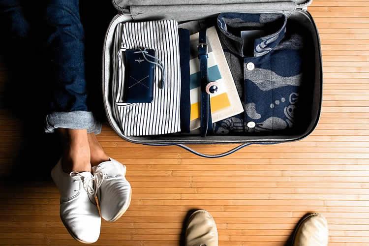 hard-graft-ocean-collection-suitcase-iphone-ipad-wallet-1-750x500
