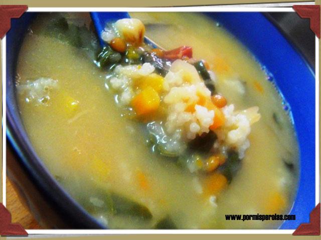 Sopa de lentejas, verdura y arroz