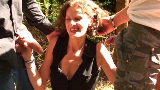 Porno francai Sophie partouze dans un village