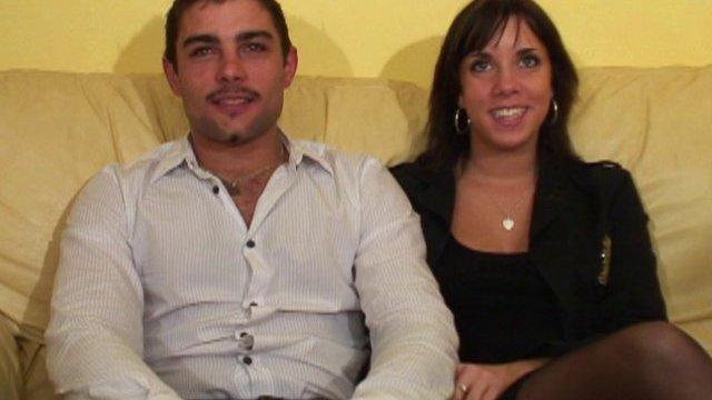 Un petit couple de 20 ans de banlieue parisienne qui rêve de gloire.