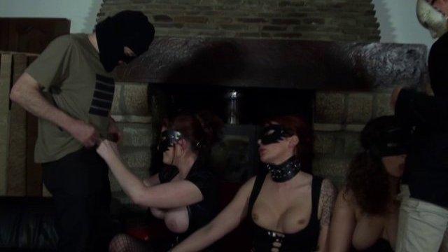 Soirée libertine très hot pour adriana et ses copines nymphomanes!