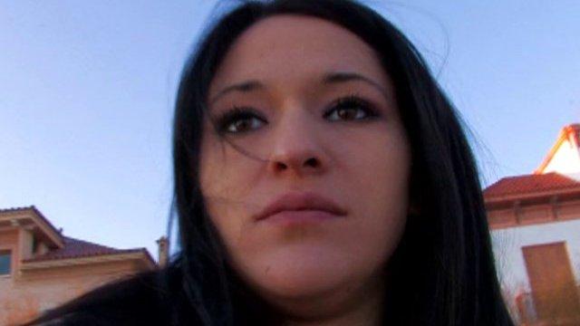 Jeune fille en détresse=baise expresse ;-)