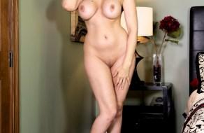 fotos Julia Ann completamente desnuda
