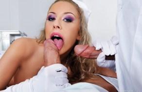 fotos Enfermerita sexy tiene sexo anal en un trio